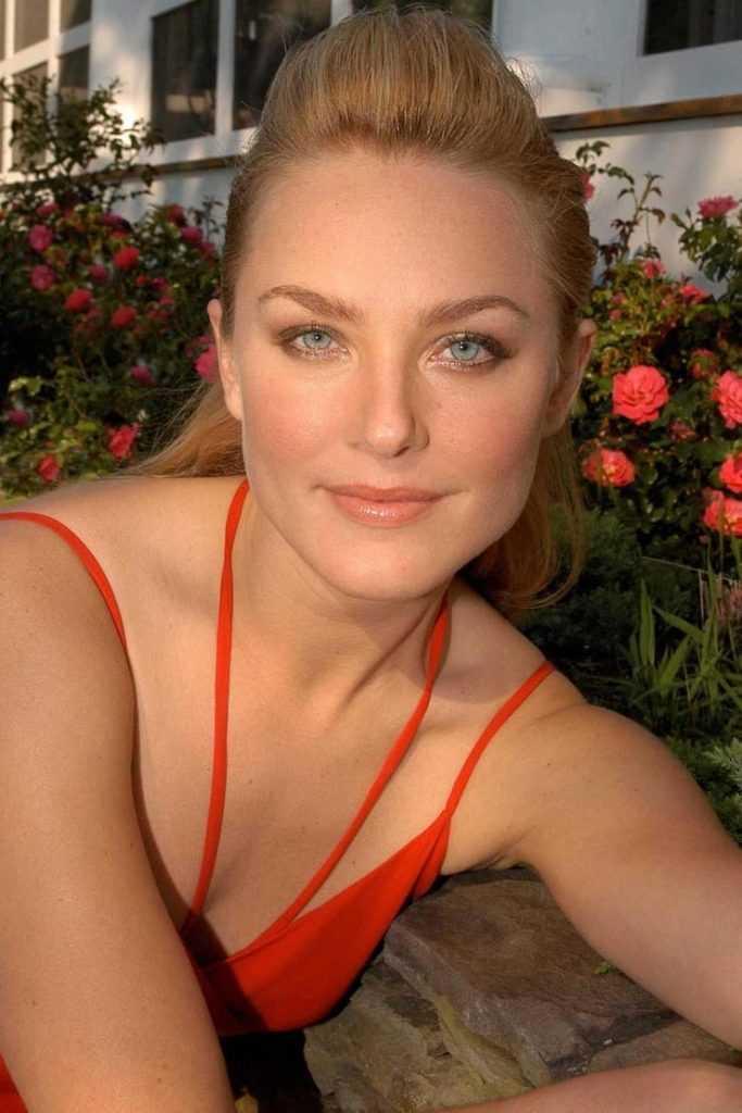 49 Elisabeth Röhm Nude Pictures Flaunt Her Diva Like Looks