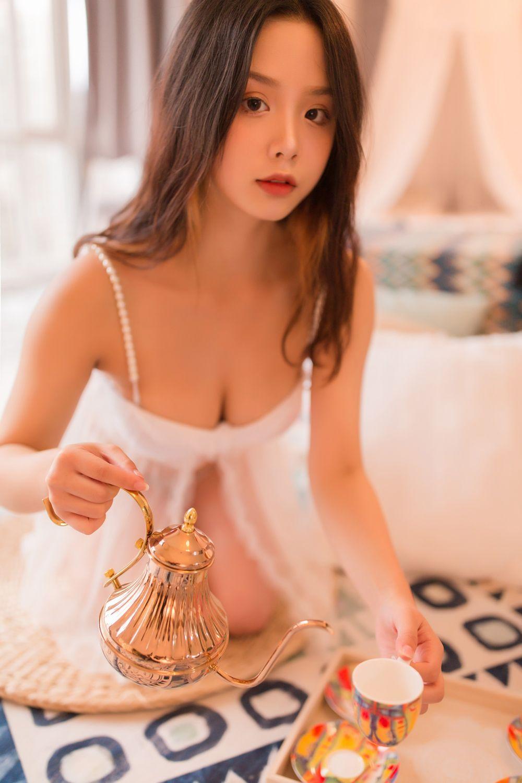 YALAYI Vol. 129 Exotic Girl