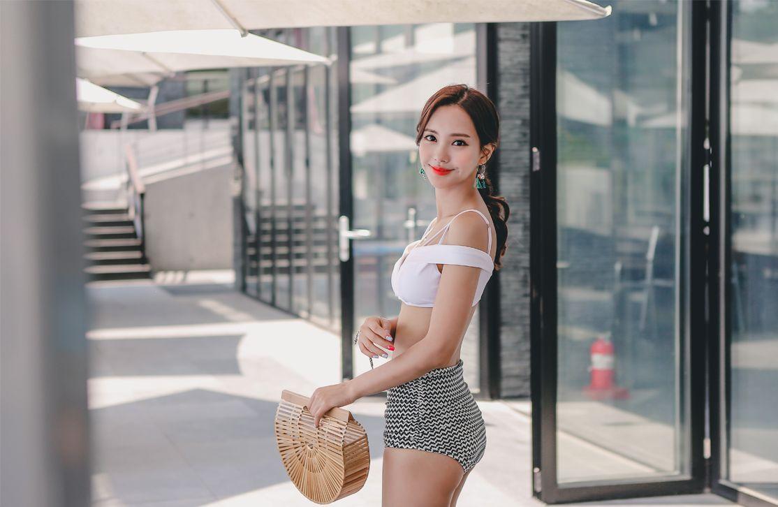 Yeon Ji Eun Maybeach Bikini Series 4