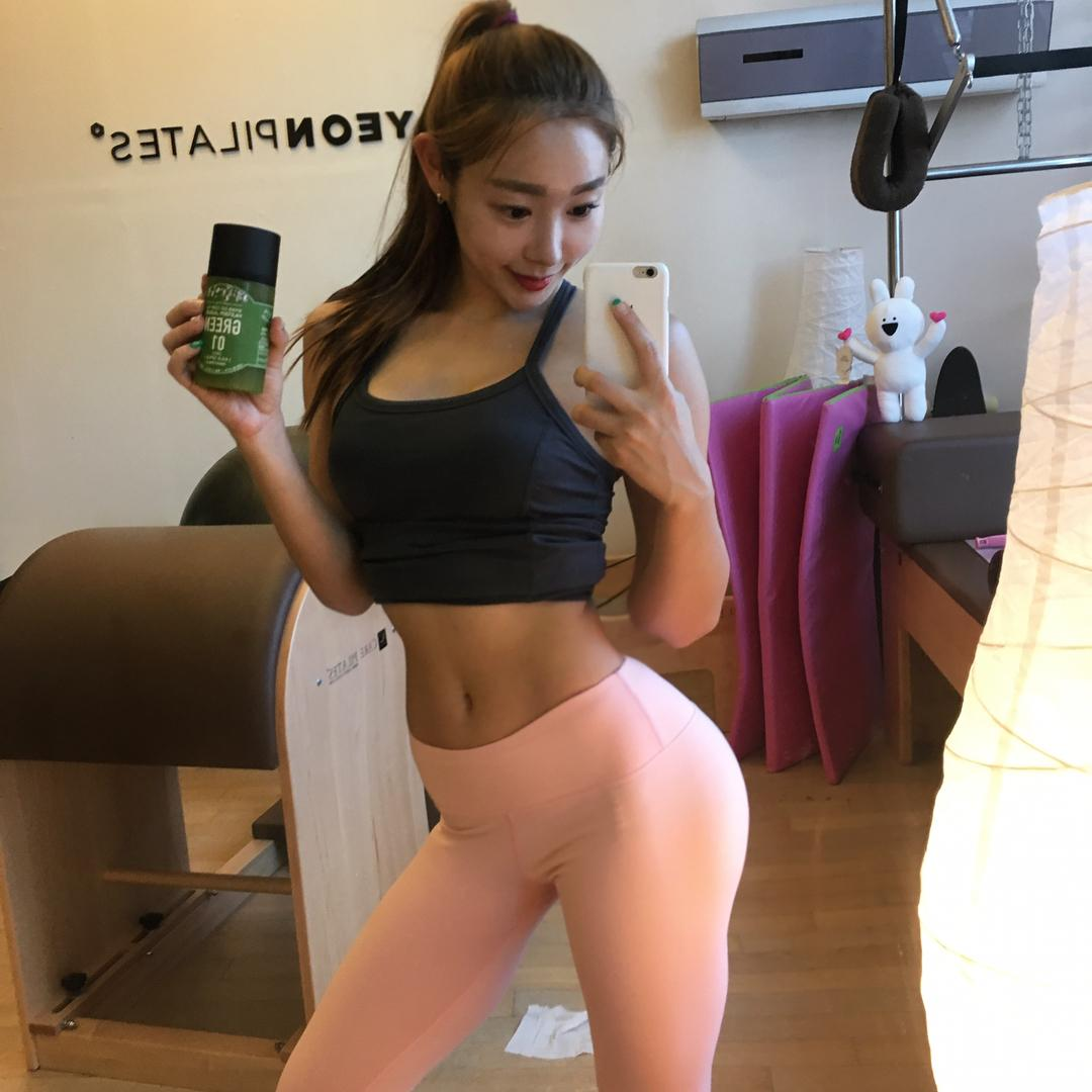 Seo Yeon Park Muscles Sport Picture and Photo