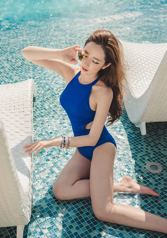 Lee Yeon Jeong MayBeach Bikini Pictures Series 7