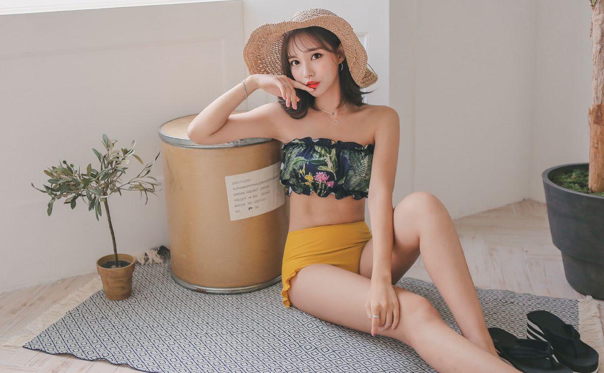 Yeon Ji Eun Lovely Bikini Picture and Photo