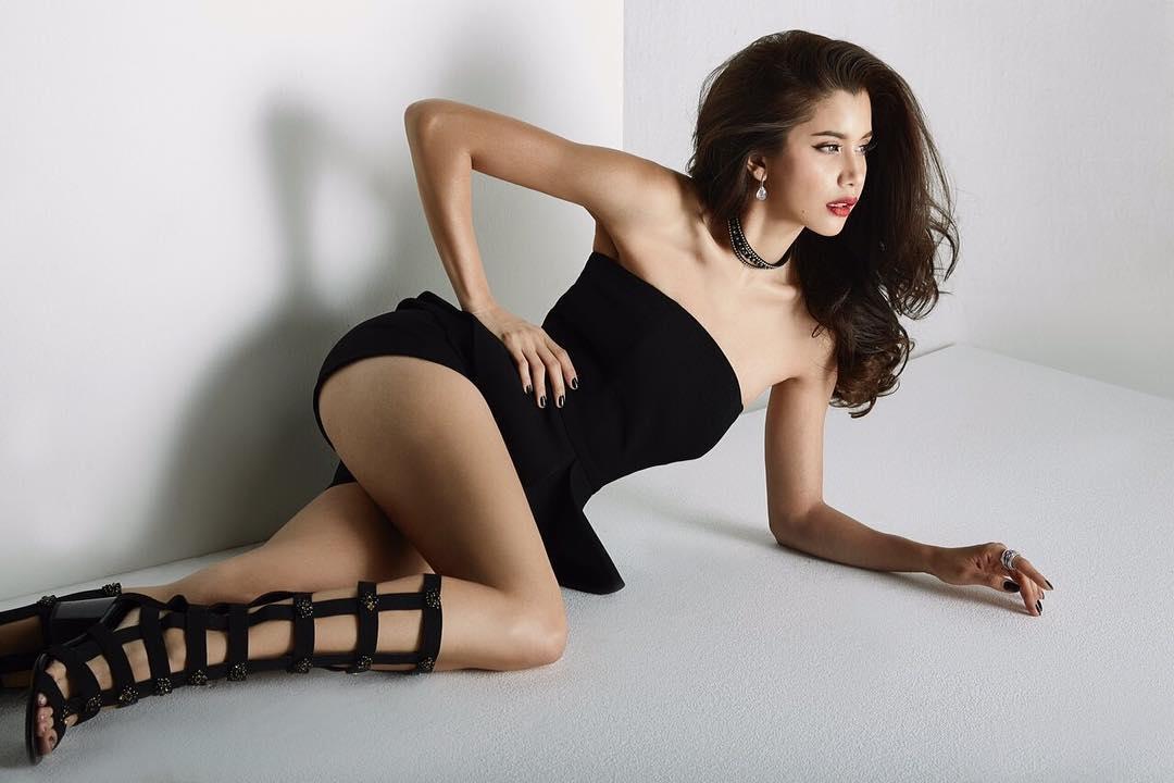 Praya Lundberg Beautiful Legs Muscles Sport Picture and Photo