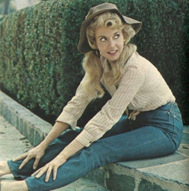 42 Donna Douglas Nude Pictures Are Sure To Keep You At The Edge Of Your Seat - Page 4 of 5 ...